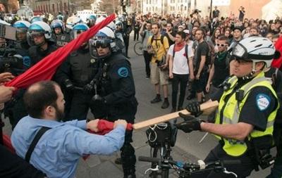 В Монреале полиция разогнала первомайское шествие слезоточивым газом