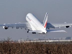 Крупнейший в мире пассажирский самолет совершил первый трансатлантический перелет