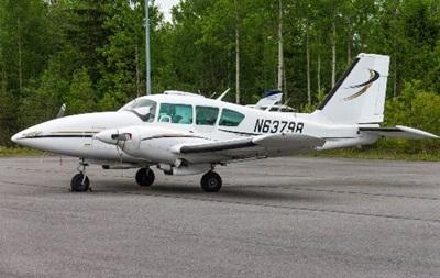 В США легкий самолет упал на автостоянку: погибли четыре человека