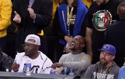 Мейвезера освистали на матче NBA