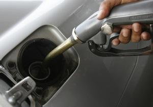 К концу года бензин подорожает из-за пошлин - DW