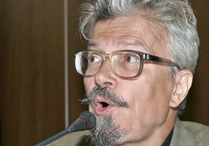 На Триумфальной площади задержали Эдуарда Лимонова