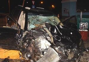 Жертвами ночного ДТП в Виннице стали двое студенток и мужчина, стоявшие возле кафе