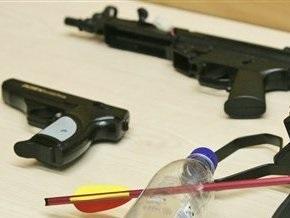 Две трети украинцев против свободной продажи травматического оружия