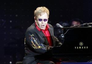 Элтон Джон даст концерт в киевском Дворце спорта