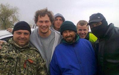Андрей Пятов прокомментировал скандальное фото с боевиками из ДНР