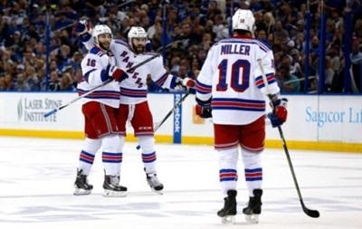 NHL: Рейнджеры забивают Тампе семь шайб и ждут седьмого матча