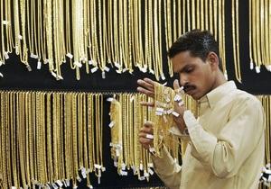 Золото впервые в истории преодолело отметку в $1900 за унцию