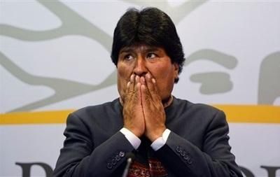 Полицейские обстреляли автомобиль президента Боливии