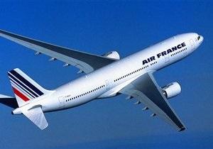 Air France будет отсаживать взрослых пассажиров от путешествующих в одиночку детей