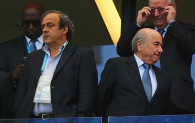 Платини назвал  мужественным  решение Блаттера об отставке