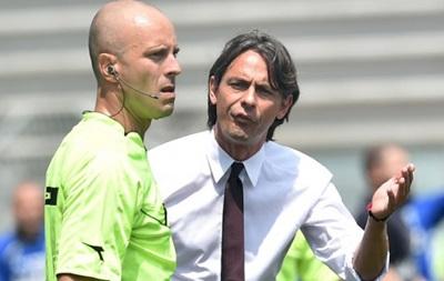 Милан уволил тренера - СМИ