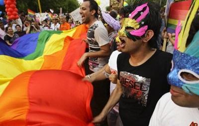 Организаторы гей-парада в Киеве отказались его отменять