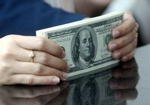 Лукашенко намерен запретить белорусам покупать валюту без паспорта