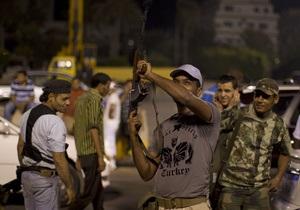 В боях за Триполи погибли 376 человек. Каддафи призывает население к обороне