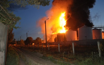 МВД открыло дело по факту пожара на нефтебазе под Киевом