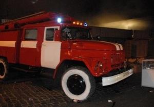 В Киеве в Оболонском районе горели два киоска и аптека