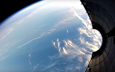 SpaceX показала видео падения части ракеты на Землю