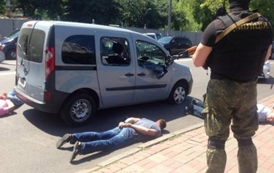 Итоги 10 июня: Перестрелка в центре Киева, тушение пожара на нефтебазе