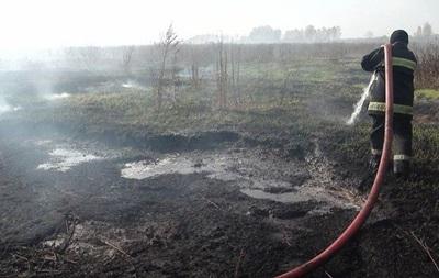 Довкола Києва у трьох місцях горять торфовища