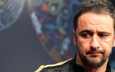 Олимпиакос уволил главного тренера после побед в чемпионате и Кубке