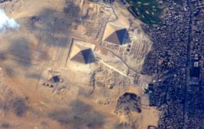 Астронавт показал новое фото египетских пирамид из космоса