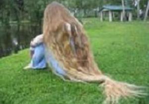 В Украине нашли обладательницу самых длинных волос