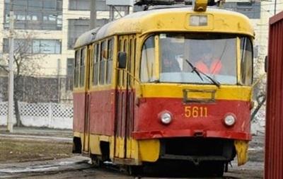 У центрі Києва через аварію зупинилися трамваї