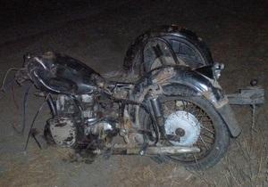 Под Харьковом столкнулись грузовик и мотоцикл с коляской: погибли трое человек
