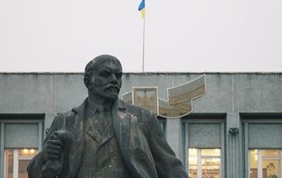 Очередной памятник Ленину разбили в Харьковской области