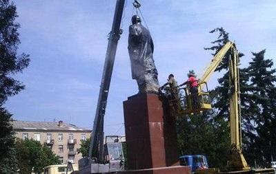 На Донетчине впервые демонтировали памятник Ленину