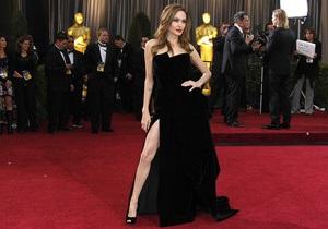 В Twitter появился микроблог правой ноги Анджелины Джоли