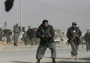 В Афганистане смертник взорвался в толпе иностранных и местных военных: есть жертвы