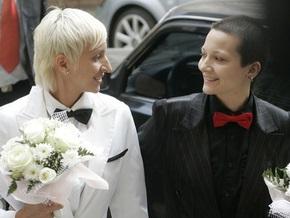 Суд Москвы рассмотрит дело лесбиянок, которым отказали в регистрации брака