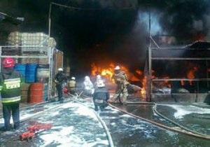 В Макеевке горела лакокрасочная фабрика: клубы дыма были видны в 30 км от места инцидента