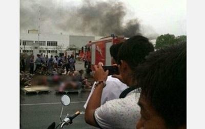 В Китае обвалилась фабрика, пострадали более десяти человек