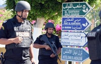 В Тунисе введено чрезвычайное положение