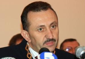 Газета по-киевски: Зварич погрыз и порвал 600 страниц уголовного дела