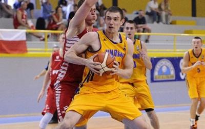 Чехия обыгрывает Украину на молодежном Евробаскете