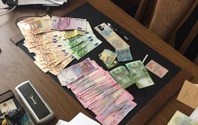 В Черновцах пограничник вымогал 25 тысяч евро