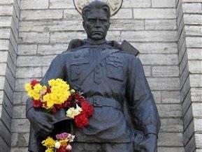 В Эстонии осквернили памятник Воину-освободителю