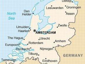 В Нидерландах произошло столкновение трех поездов