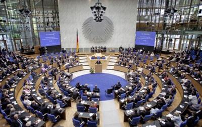Германия одобрила начало переговоров по долгу Греции