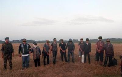 На Закарпатье задержали 10 нелегалов из Сирии и Ирака