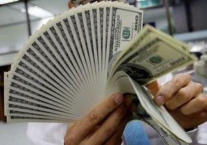 НБУ готов выйти на межбанк для продажи долларов