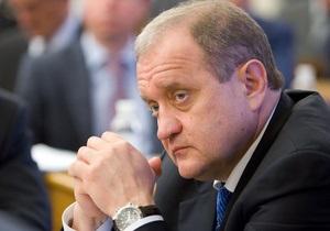 Могилев пообещал Януковичу до конца года сократить руководящий состав МВД на 50%