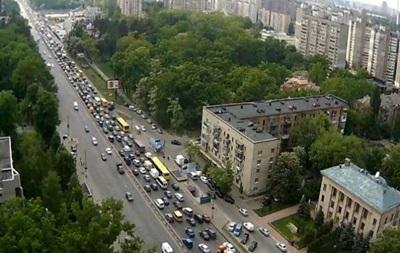 В КГГА рассказали, когда отремонтируют проспект Победы