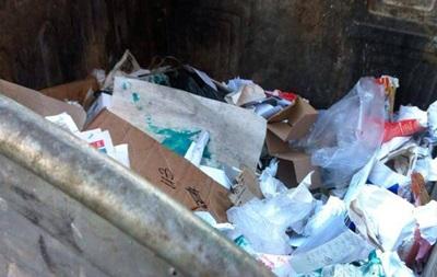В центре Краматорска в мусорном баке нашли тело новорожденного