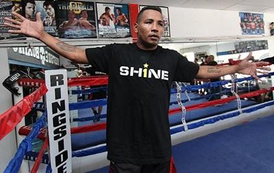 Экс-чемпион мира по боксу сравнил Мейвезера с геем