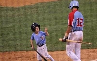 9-летний мальчик погиб на бейсбольном матче после попадания биты в голову